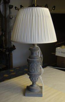 Ausgefallene Raffung - Lampenmacherin Brigitta Kellner